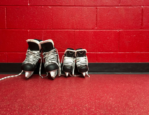 Hockey-Skates-Vs-Figure-Skates