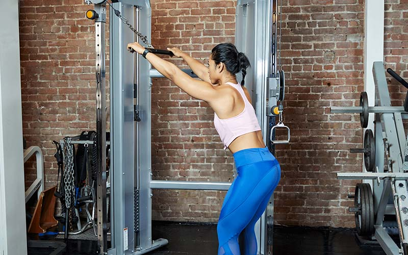 straight-arm-pulldown-muscles-worked